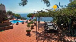Luxury Villa to rent in  Amalfi for holiday - 6 Bedrooms - Sleeps 12 - Sea View, Terrace, Garden and Private Pool
