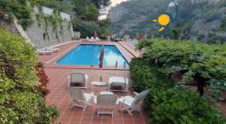 Holiday apartment to rent in Atrani - 3 Bedrooms - Sleeps 6+2 - Sea View Foot Balcony - Shared pool