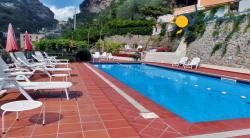Holiday apartment to rent in Atrani,  2 km from Amalfi  - Studio holiday apartment - Sleeps 2 - Sea View , private Large Terrace and shared pool