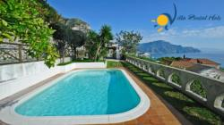 Holiday Villa  to rent  in Amalfi / Vettica - 2 Bedrooms - Sleeps 4+1 - Sea View Terrace and Private Pool.